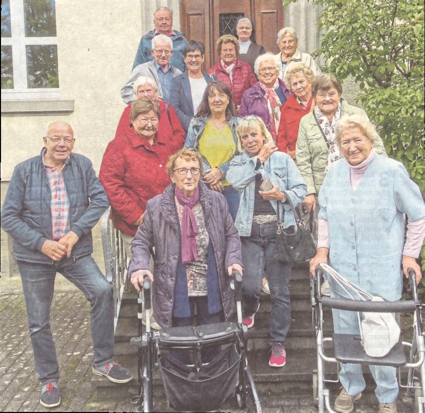 Juni 2019 - Oberin erklärt Senioren das Klosterleben